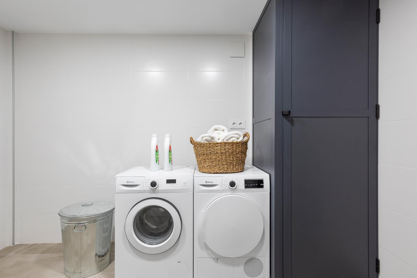 47 - Paris V - laundry room